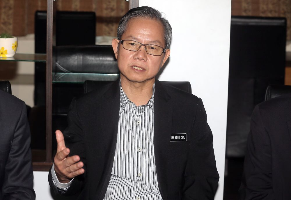 Deputy Health Minister Dr Lee Boon Chye said no companies have registered with the Health Ministry to use cannabis-based (marijuana) products for medical purposes. — Picture by Razak Ghazali