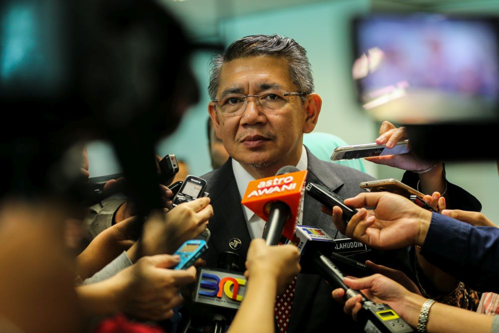 Minister of Agriculture & Agro-Based Industry Salahuddin Ayub speaks to reporters August 2, 2018. — Picture by Ahmad Zamzahuri