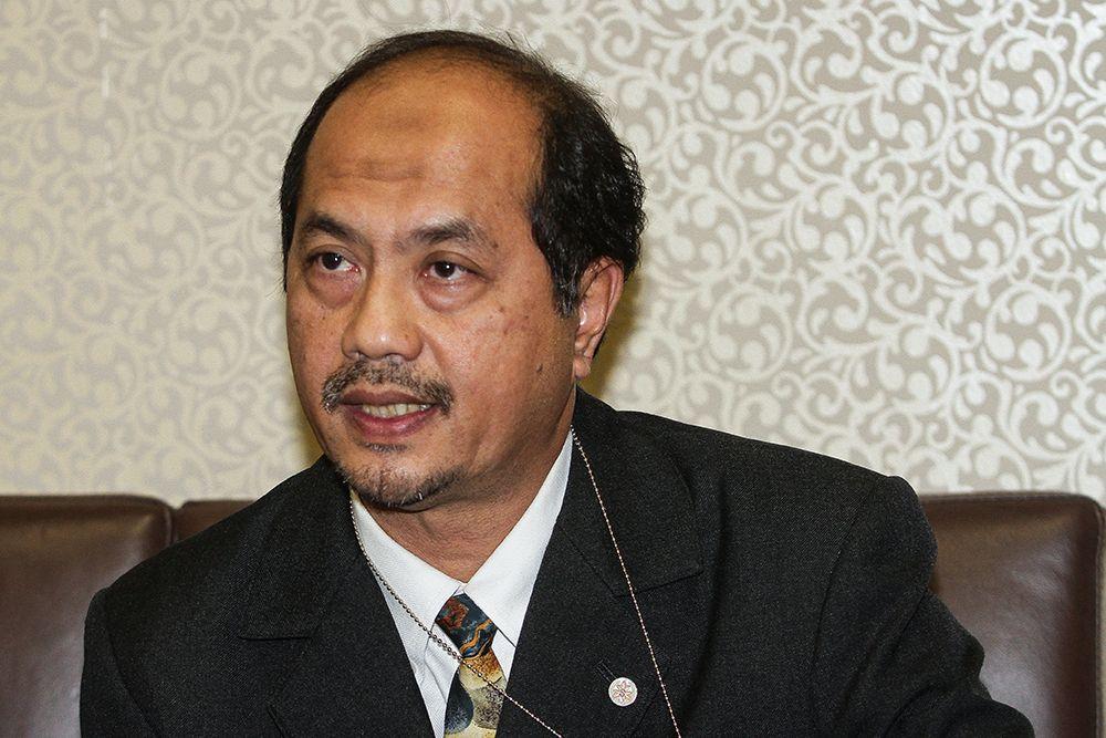 DAP's Tengku Zulpuri Shah Raja Puji admitted he was approached by acquaintances from Umno and Parti Pribumi Bersatu Malaysia. — Picture by Miera Zulyana
