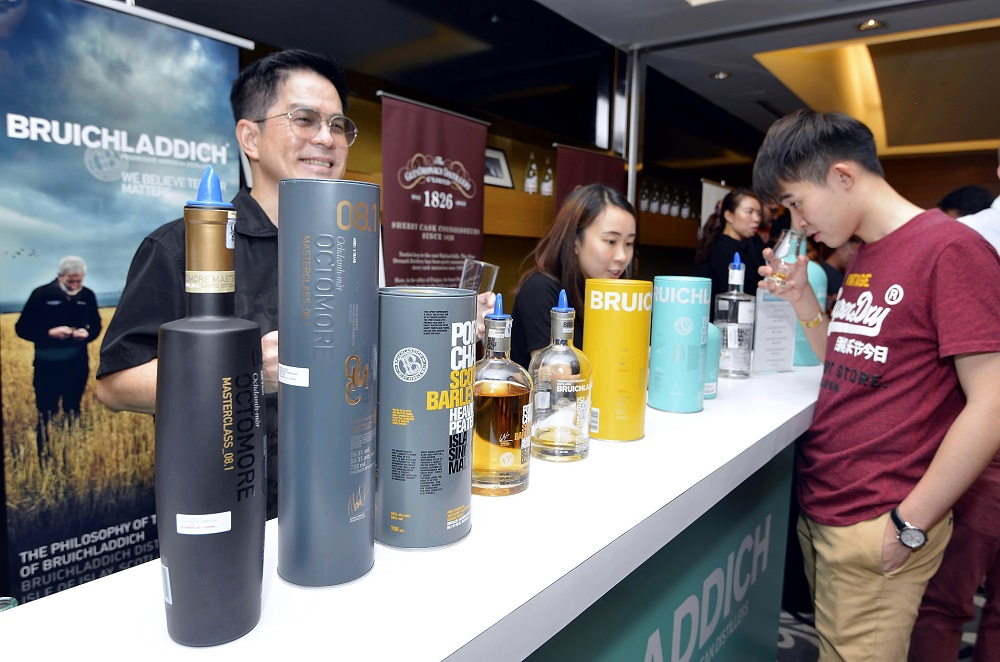 Young appeal: WhiskyPLUS 2018 proved to be a hit, especially among the younger fans. — Pictures by Ham Abu Bakar