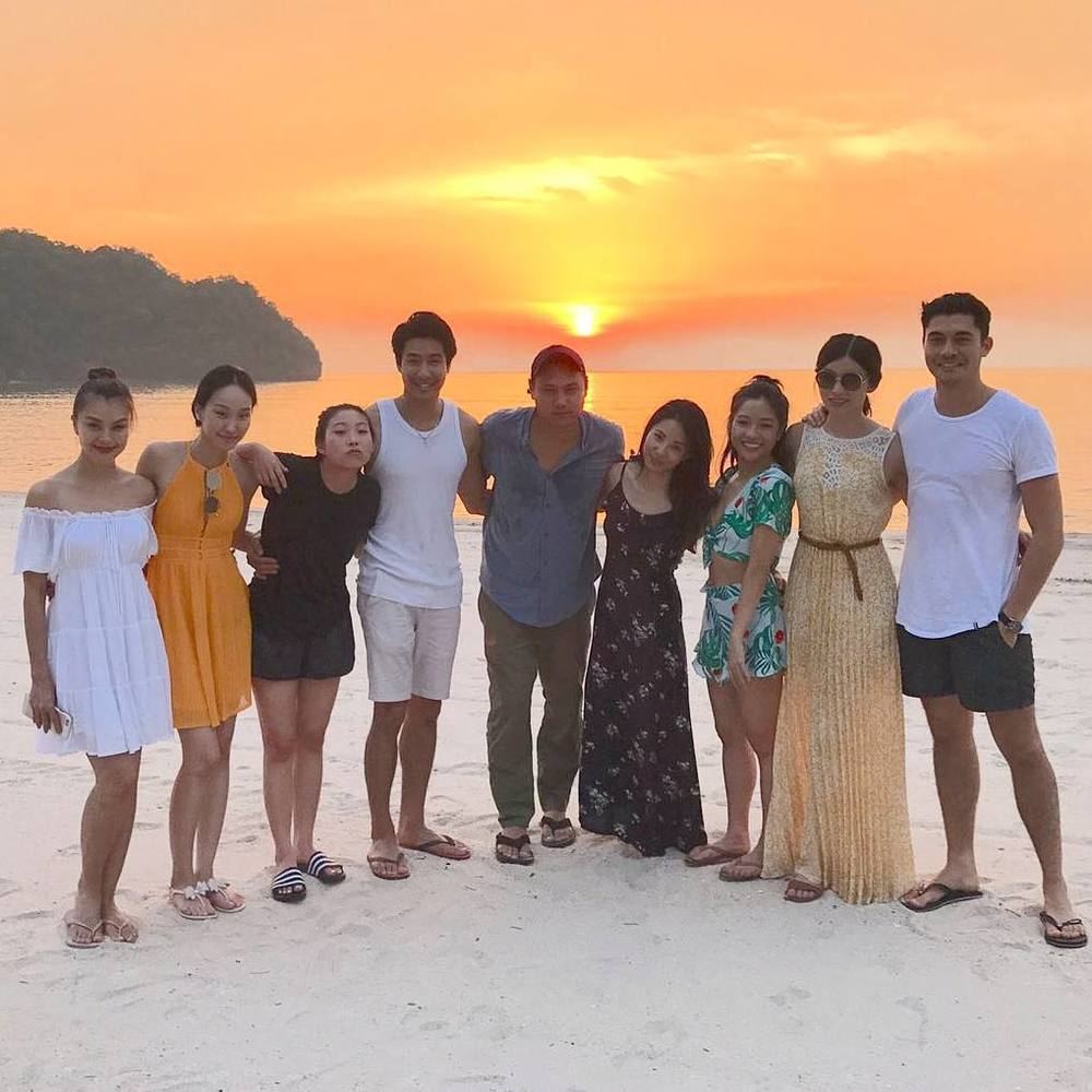 The cast and crew behind Crazy Rich Asians pose for a group picture on Langkawi Island. — Instagram/Henry Golding
