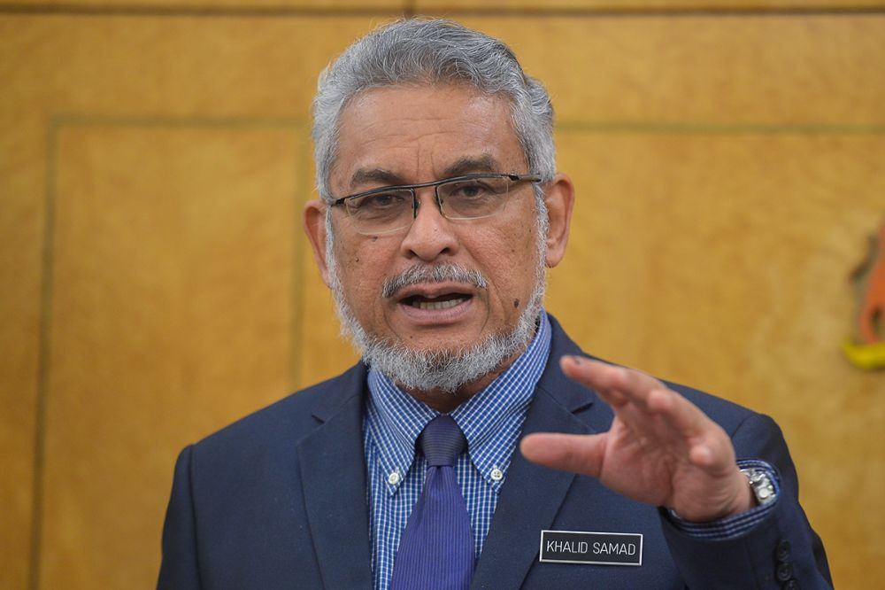 Khalid clarified in a statement today that operators of unregistered tahfiz centres will be given until December 31 to register with DBKL and Jawi. ― Picture by Mukhriz Hazim