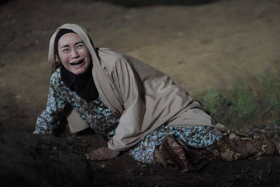 Maya stars as lead character Sakinah in horror film 'Munafik 2.' — Screengrab from Maya Karin's Facebook