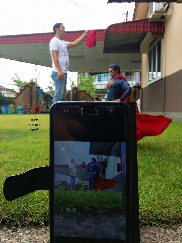 A behind-the-scenes look at how Hon captures his photographs.