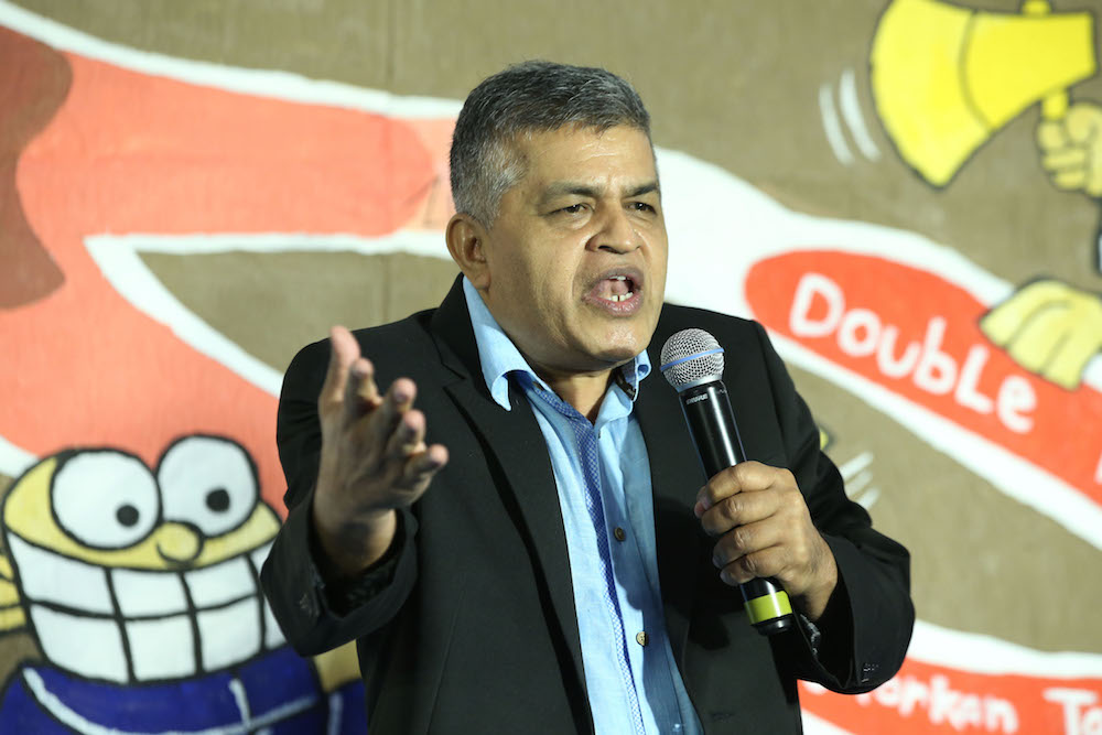 A total of 202 art works of famous cartoonist Zukiflee Anwar Haque, or better known as Zunar, will be exhibited at the Penang State Art Gallery here from Tuesday until May 28. — Pictures by Azinuddin Ghazali