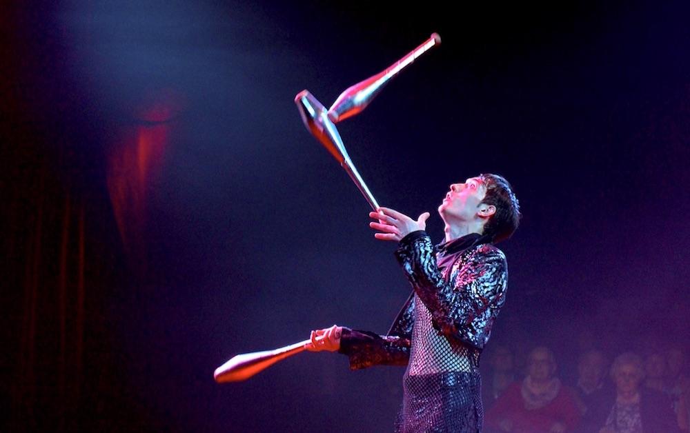 Award-winning juggler Gierisch.