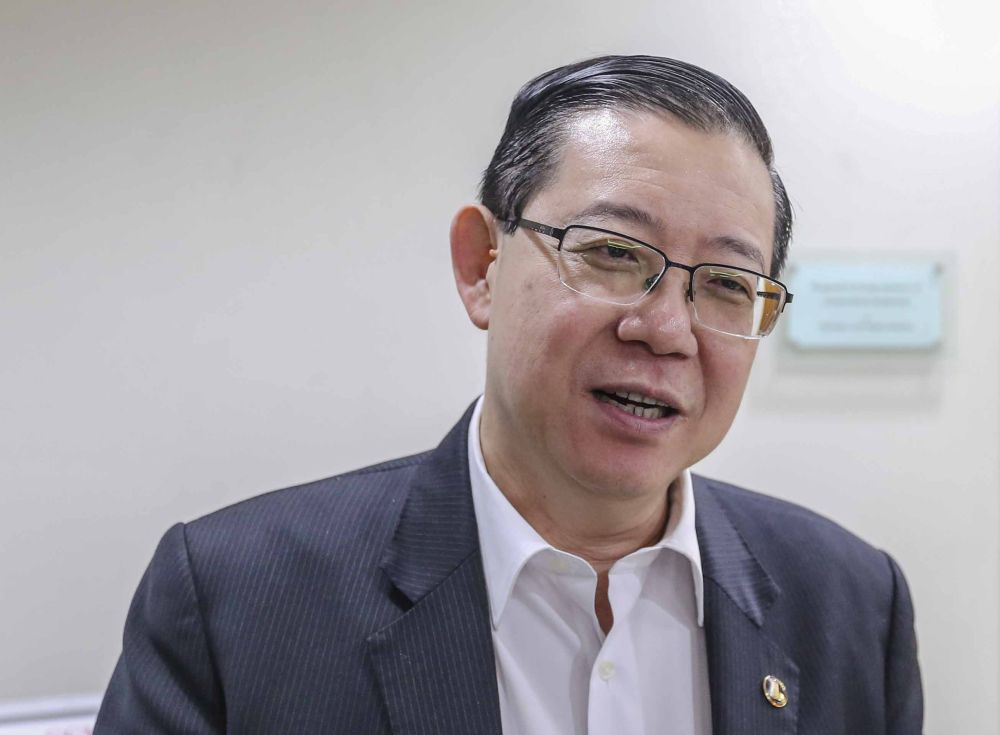 Lim said Moody's added that in the longer term, Malaysia's economic prospects are supported by well-developed infrastructure, substantial natural resources, globally competitive manufacturing and services sectors. ― Picture by Firdaus Latif