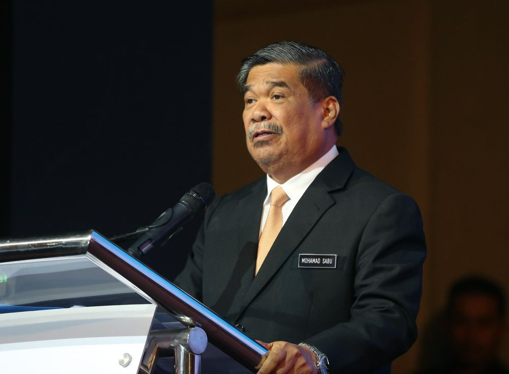 Mat Sabu disagrees with the actions of some who ridiculed and spread pictures of former leaders, saying they were 'acting ill'. ― Picture by Razak Ghazali