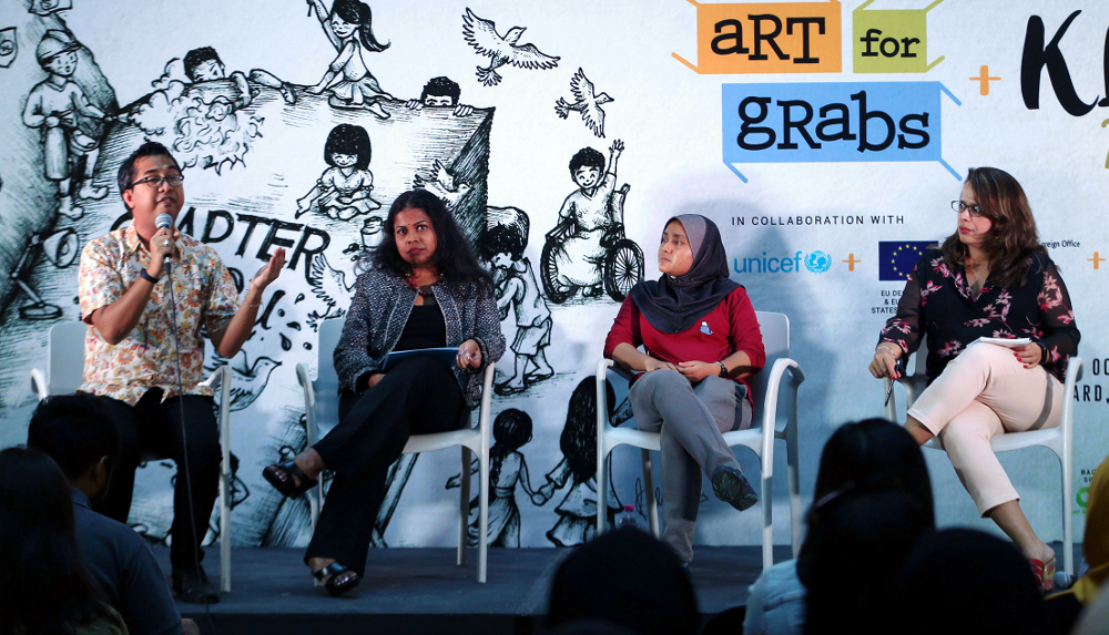 (From left) Social activist Syed Azmi Alhabshi, child rights lawyer Srividhya Ganapathy, Rohingya community worker Hafsar Tamesuddin and moderator Ajeet Kaur at the child marriage forum in Publika October 6, 2018. — Picture by Razak Ghazali