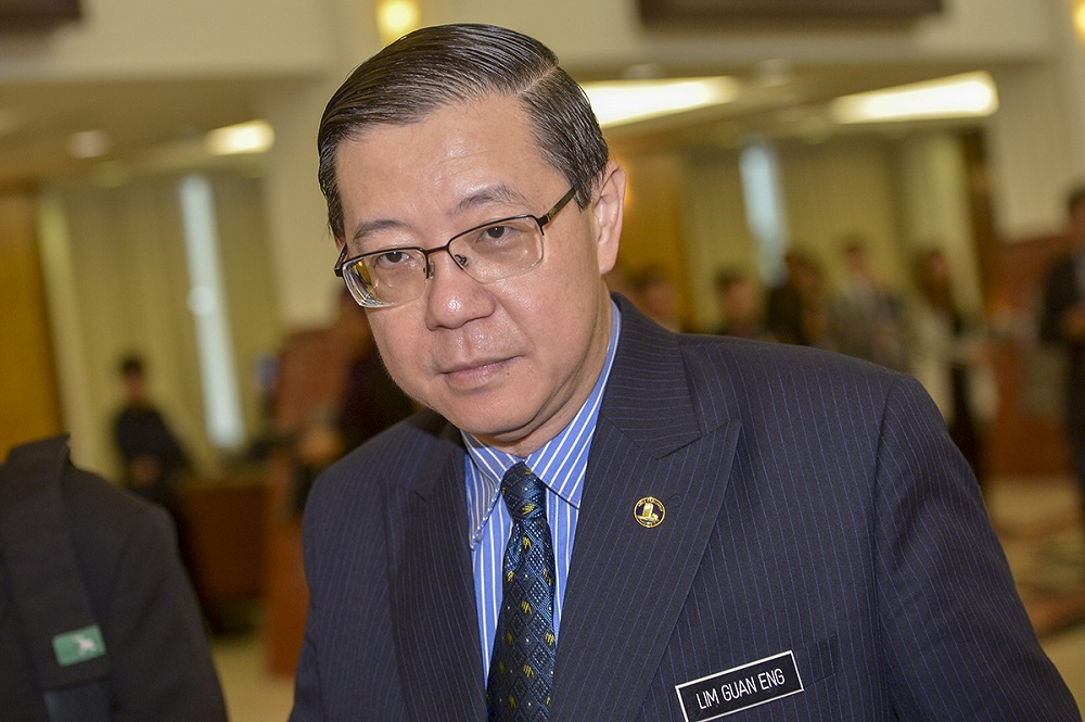 Finance Minister Lim Guan Eng says the RM10.02 billion in advance payment can be reclaimed by MRL if the project doesn't go through. — Picture by Mukhriz Hazim