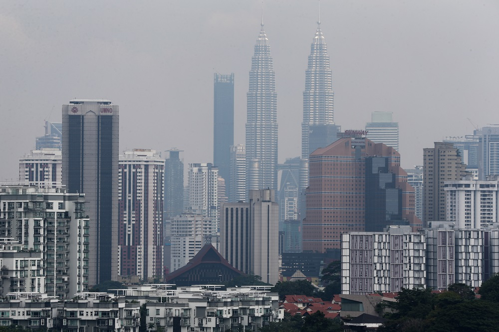 RHB Research said the fourth quarter gross domestic product (GDP) growth of 2018 was expected to moderate to 4.2 per cent year-on-year (YoY), from 4.4 per cent recorded in the third quarter. — Picture by Ahmad Zamzahuri