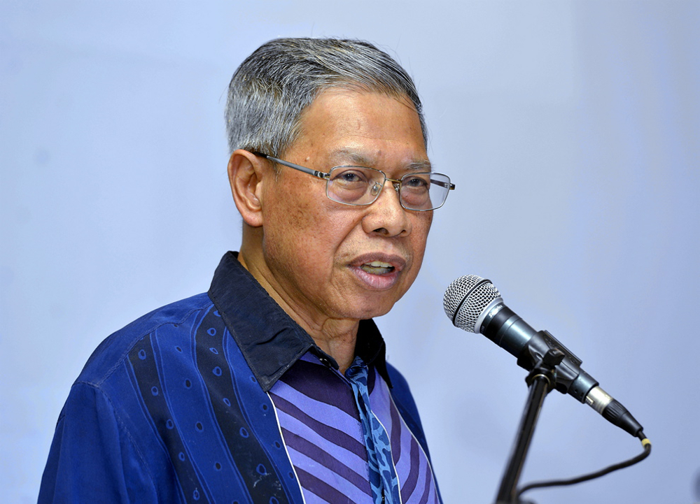 Datuk Seri Mustapa Mohamed said although Covid-19 was a very serious health crisis, it also provided the wonderful unity to move forward to achieve the digital agenda, especially to make the people digitally friendly. — Picture by Ham Abu Bakar