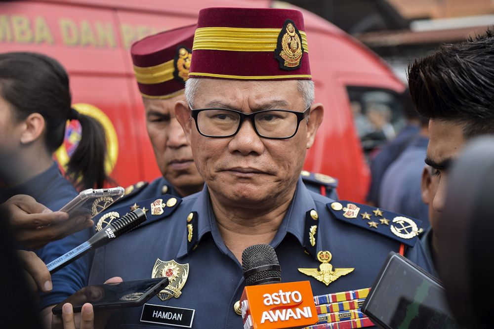 Mohammad Hamdan pointed out that the six had followed the standard operating procedure and were not derelict in their duties. ― Picture by Mukhriz Hazim