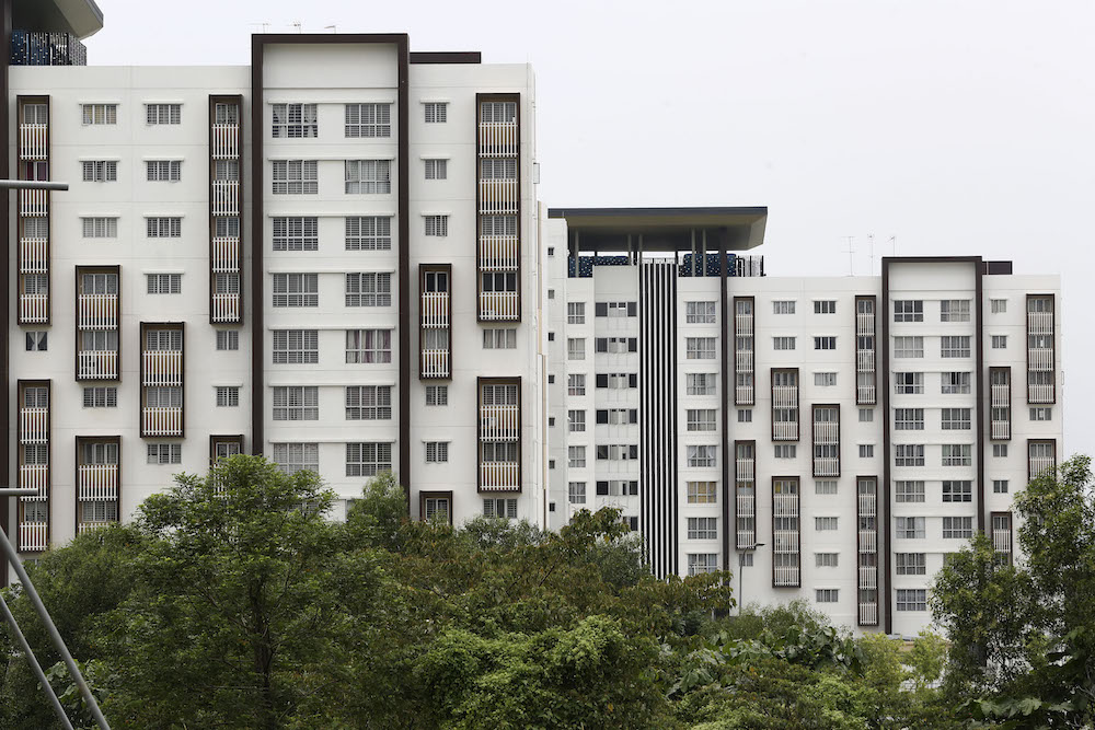 iProperty.com.my also revealed that lower-priced high-rise properties for the rental market recorded a higher rental yield of above 4.0 per cent compared with landed properties, namely terrace houses, which registered a rental yield of 3.43 per cent in H1 2020. — Picture by Yusof Mat Isa