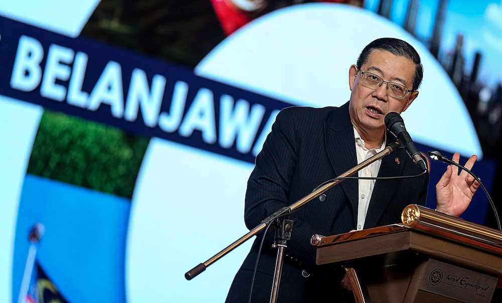 Lim Guan Eng delivers his speech during the 'Special Briefing on Budget 2019' in George Town November 7, 2018. — Picture by Sayuti Zainudin