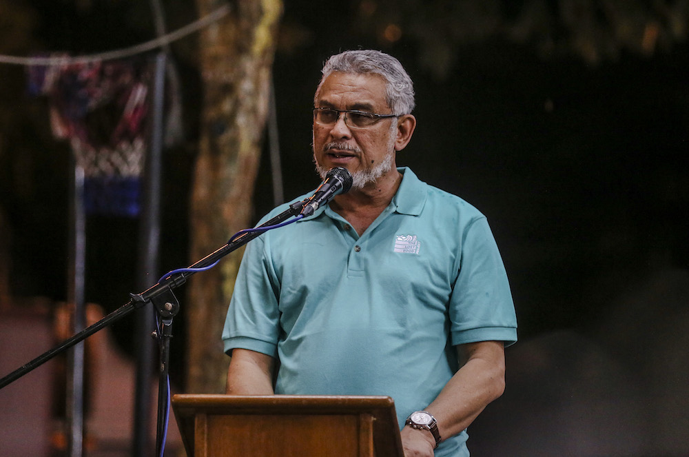 Federal Territories Minister Khalid Samad speaks during launch of The Lost Food Project in Kuala Lumpur November 14, 2018. — Picture by Firdaus Latif
