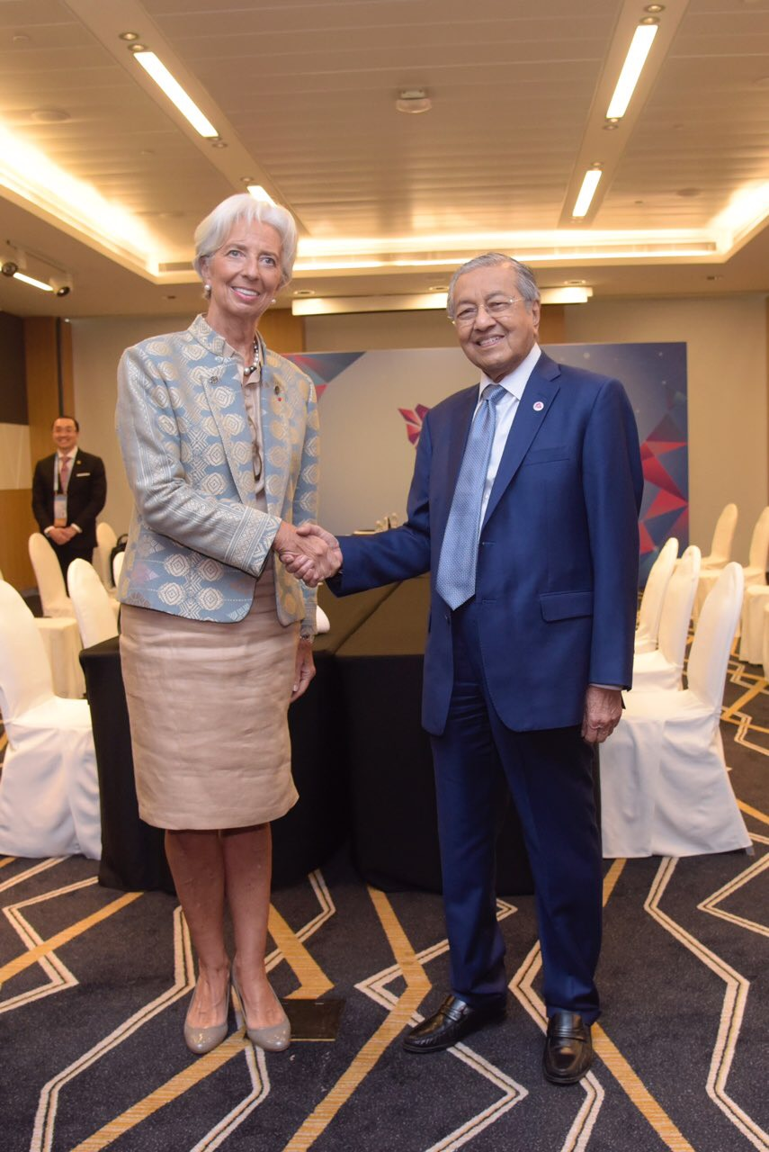 IMF chairman Christine Lagarde pays a courtesy call to Tun Dr Mahathir Mohamad in Singapore November 14, 2018. — Picture courtesy of the Department of Information Malaysia