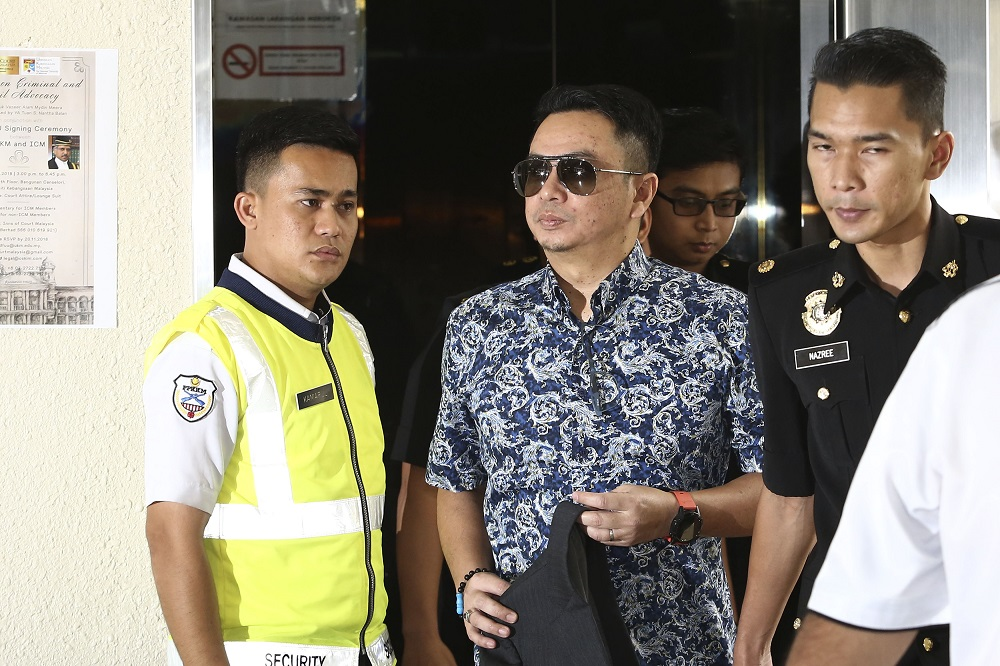 Datuk Rizal Mansor arrives at the Kuala Lumpur Courts Complex November 15, 2018. — Picture by Yusof Mat Isa