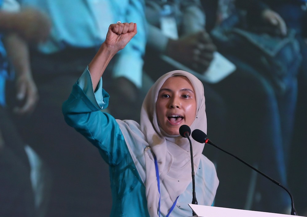 Nurul Izzah Anwar was named 2018's 'Influential Woman of the Year' at the CEO Asia Summit in Singapore. ― Picture by Razak Ghazali