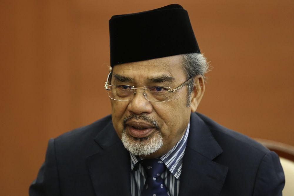 Datuk Seri Tajuddin Abdul Rahman claimed he had taken measures to attempt to break the meat cartel monopoly. ― Picture by Yusof Mat Isa