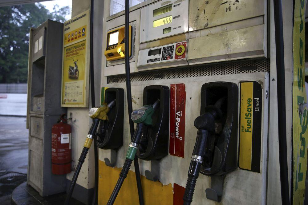 未来一周,RON汽油和柴油价格全面上涨。-Yusof Mat Isa摄-