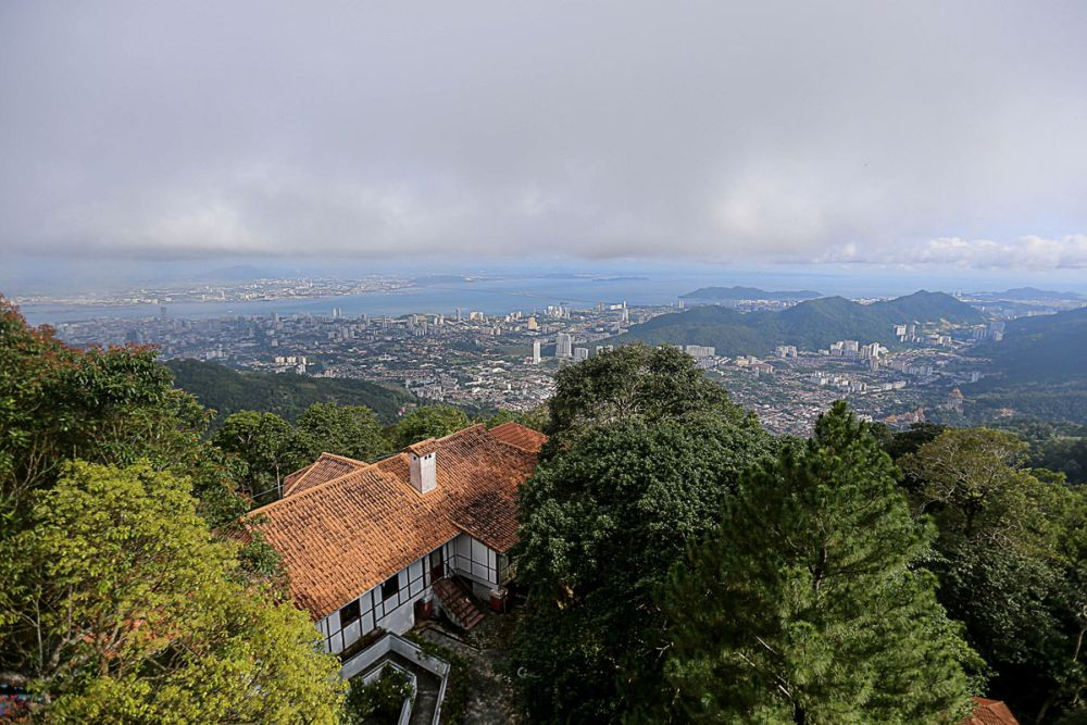 A aerial view of George Town can be seen from the peak of Penang Hill, November 26, 2018. ― Picture by Sayuti Zainudin
