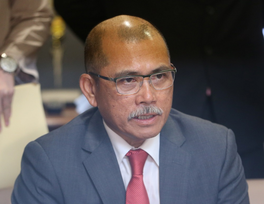 Datuk Seri Ronald Kiandee during a press conference in Parliament, Kuala Lumpur December 3, 2018. — Picture by Razak Ghazal