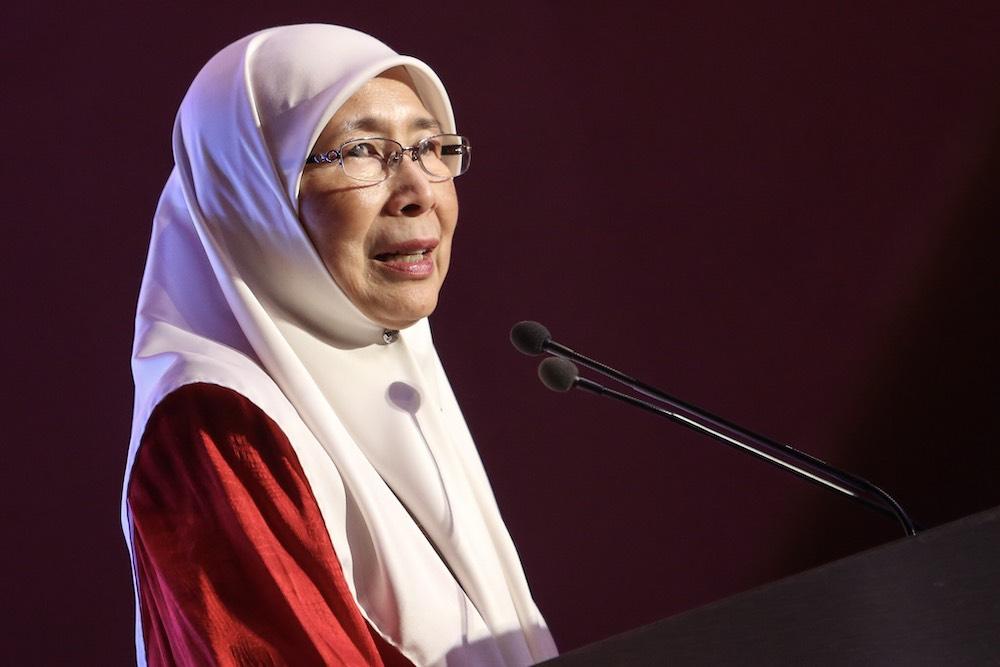 Datuk Seri Dr Wan Azizah Wan Ismail said the dinner was a way to fulfil PH's pledge on political funding. — Picture by Hari Anggara.