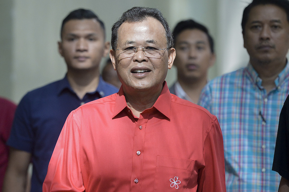 Osman's loyalty to Bersatu was called into question after he was publicly seen with several of Pejuang's leaders during the Slim by-election campaign. — Picture by Mukhriz Hazim