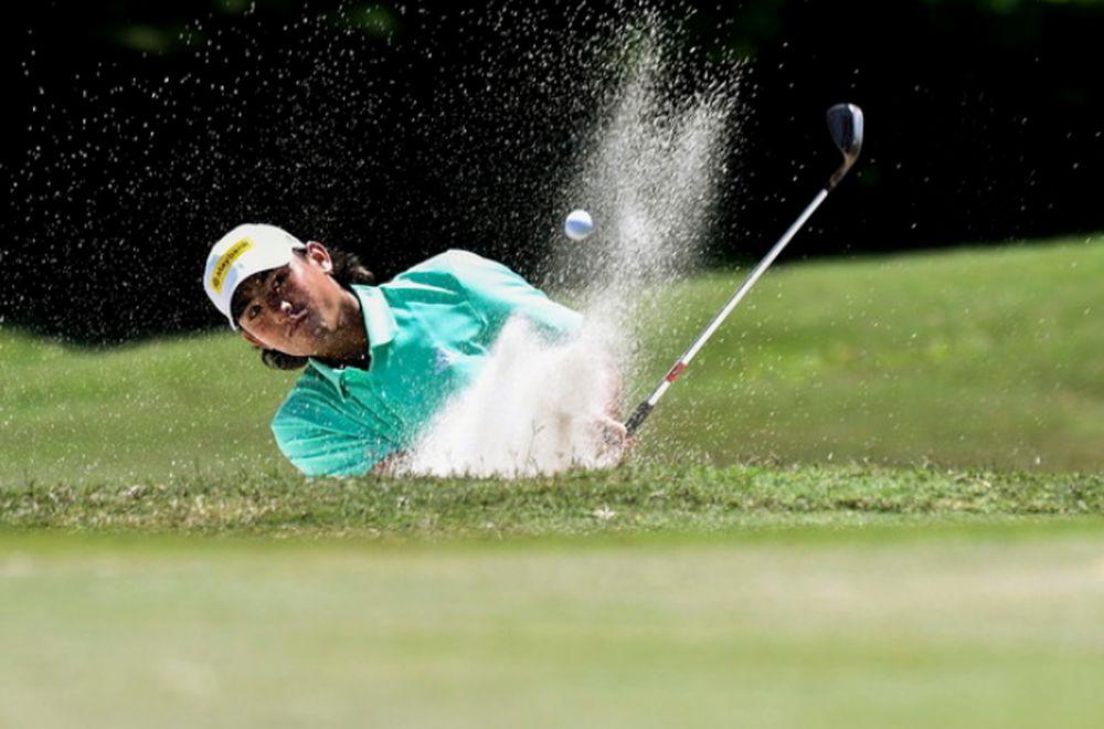 Golfer Gavin in bottom three despite better display. — file pic