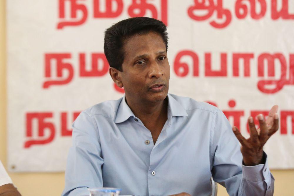 Datuk A. Chandrakuman speaks during a press conference in Subang Jaya December 5, 2018. — Picture by Azinuddin Ghazali