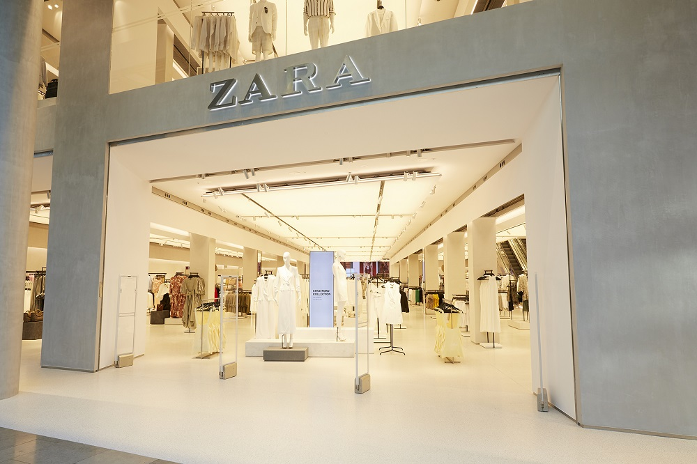 Inditex, owner of Zara and Massimo Dutti, reported today strong first half profits near pre-pandemic levels as sales rebounded, with customers returning to stores and shopping online. — AFP pic