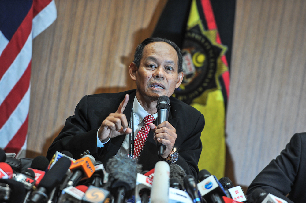 MACC Chief Datuk Seri Mohd Shukri Abdull says Kevin Morais' death has nothing to do with the 1MDB probe. — Picture by Shafwan Zaidon