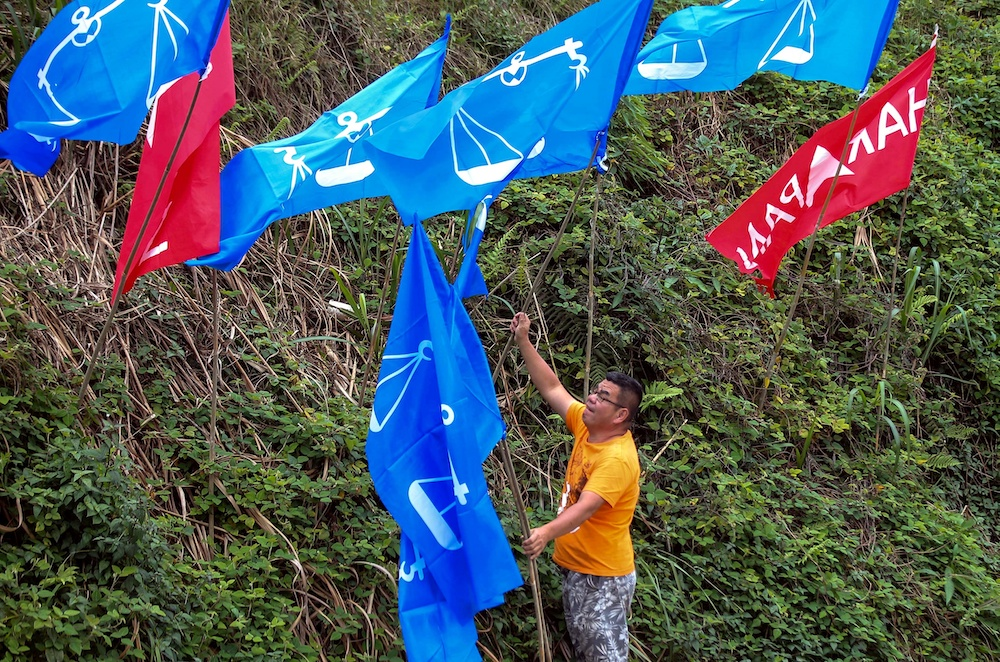 MCA today insisted that Barisan Nasional was not part of the plot to form a backdoor government. — Picture by Farhan Najib