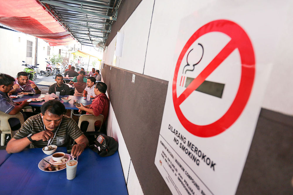 Health Minister Datuk Seri Dzulkefly Ahmad  said his ministry received 23,805 complaints in the period, adding that full enforcement of the smoking ban will begin on January 1. — Picture by Sayuti Zainudin