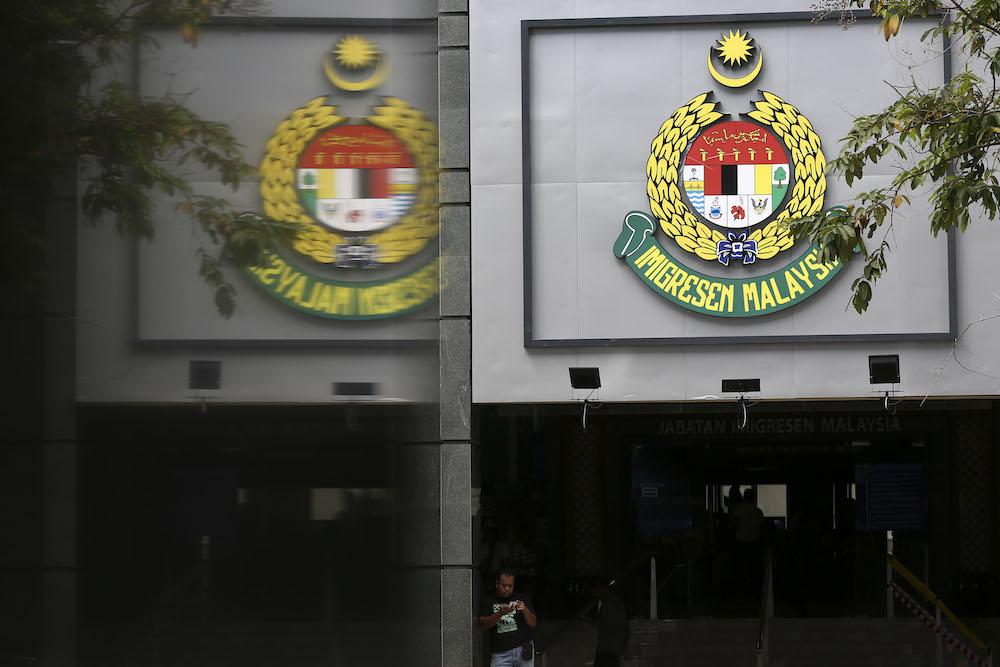 人权观察呼吁马来西亚政府调查移民局无视庭令,将1086名缅甸人遣送回国一事。-Yusof Mat Isa摄-