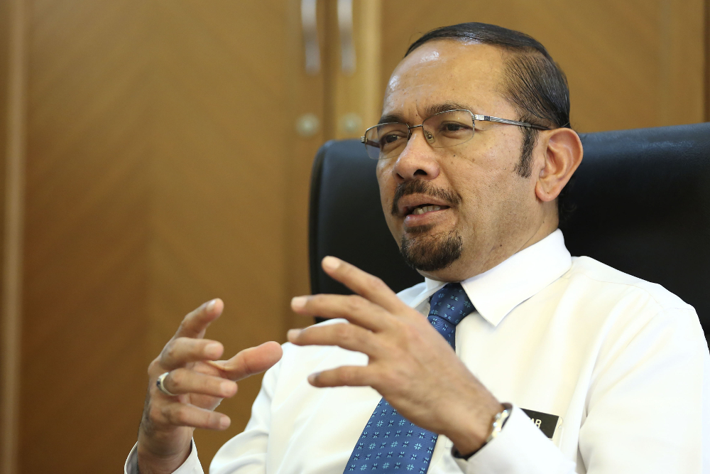 National Anti-Financial Crime Centre CEO Datuk Seri Mustafar Ali plans to establish a centralised intelligence database and tap into big data to nab criminals. — Picture by Yusof Mat Isa