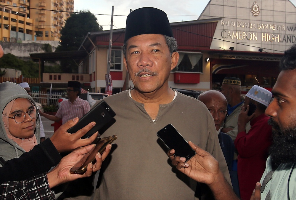 Mohamad Hasan said making such promises would be tantamount to cheating the public and vowed that the party would not introduce hudud on a federal level. — Picture by Farhan Najib