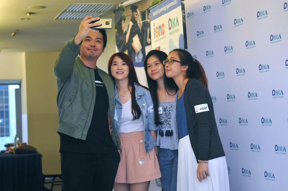 Kyo Chen with his fans at ISNC's special screening of Guang at GSC, Damansara 3 in Petaling Jaya December 19, 2018. — Picture courtesy of ISNC