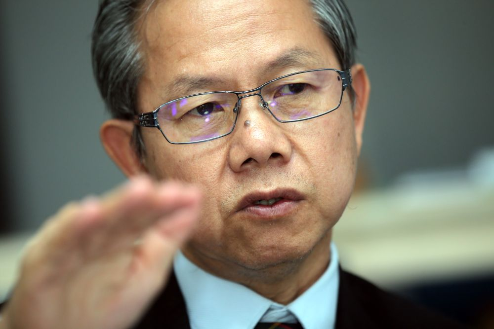 Deputy Health Minister Dr Lee Boon Chye said the ministry did not want to interfere with the jurisdiction of other parties such as the Local Authorities. — Picture by Farhan Najib