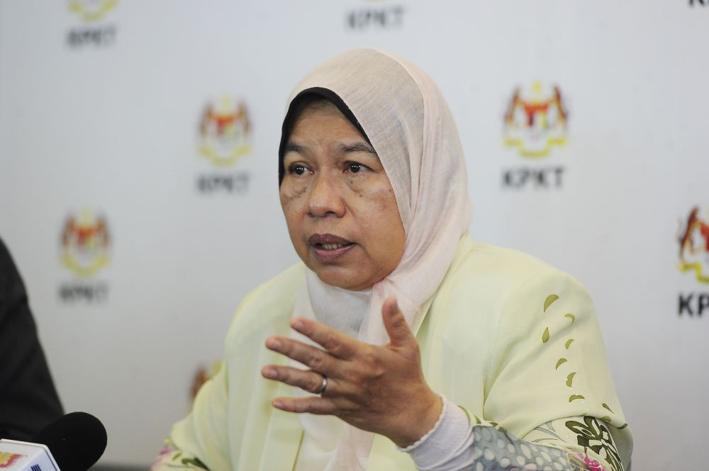 Housing and Local Government Minister Zuraida Kamaruddin said yesterday that her ministry is planning to introduce a policy requiring foreigners to get approval from JMB or MC before they can rent a home, especially involving stratified residential dwellings, to prevent crimes involving foreigners and improve safety. — Picture by Shafwan Zaidon
