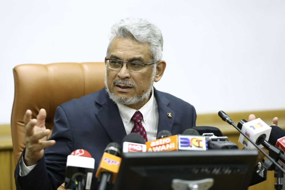 Federal Territories Minister Khalid Abdul Samad said the disputes over the proposed housing project at Taman Rimba Kiara, Taman Tun Dr Ismail, will be tabled and finalised at the Cabinet meeting next month. — Picture by Yusof Mat Isa