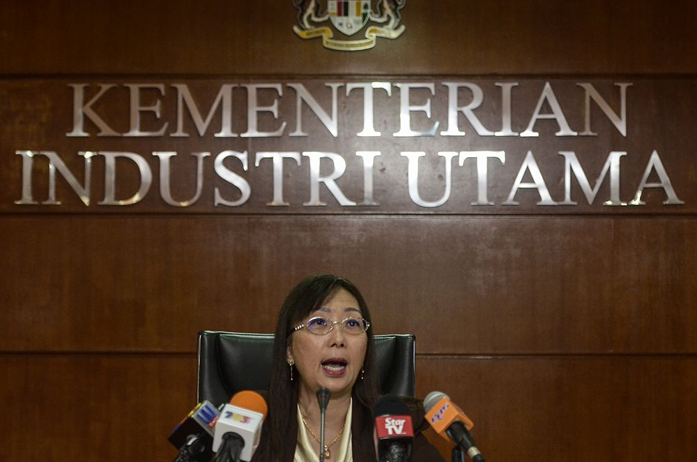 Primary Industries Minister Teresa Kok was one of the 13 ministers who signed a pledge in 2012 to shut down the Lynas plant refinery when they were part of the opposition.― Picture by Miera Zulyana