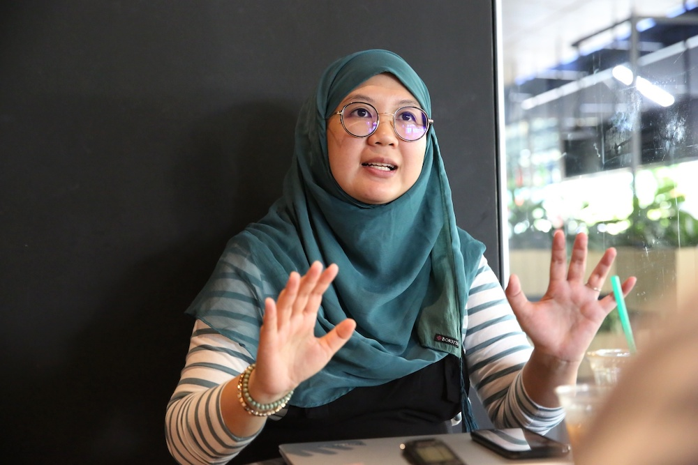 Hanna Alkaf, author of 'The Weight of Our Sky', speaks to Malay Mail in Kuala Lumpur February 15, 2019. — Picture by Choo Choy May