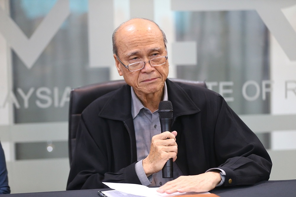 Outgoing Malaysian Institute of Road Safety Research chairman Tan Sri Lee Lam Thye during a press conference in Kajang February 4, 2019. — Picture by Ahmad Zamzahuri