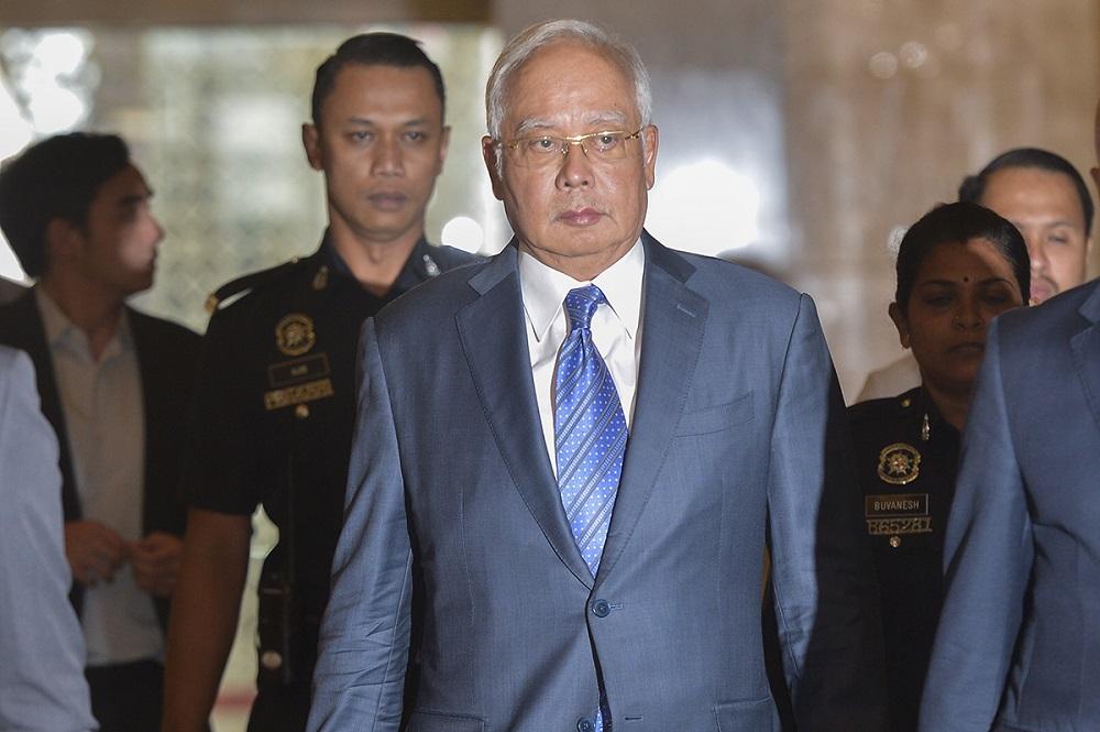 Datuk Seri Najib Razak arrives at the court of appeal in Putrajaya February 11, 2019. — Picture by Mukhriz Hazim