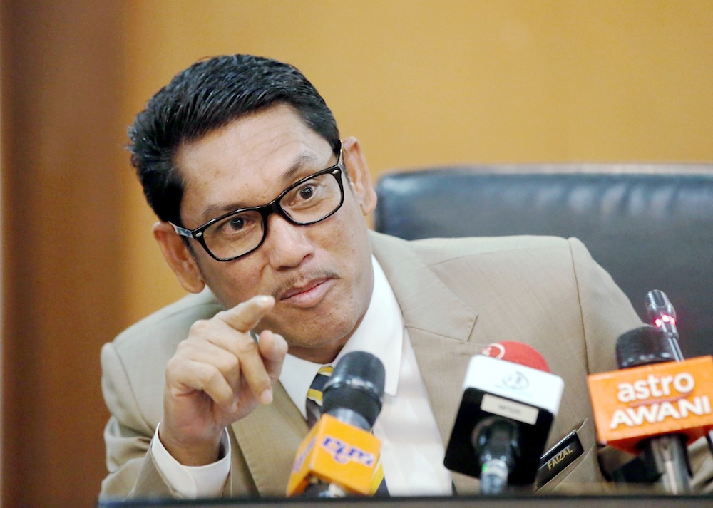 Perak Mentri Besar Datuk Seri Ahmad Faizal Azumu said the MoU inked between Mentri Besar Corporation and a Chinese company, Chinalco GXNF Rare Earth Development was only to identify the rare earth elements in the state. — Picture by Farhan Najib