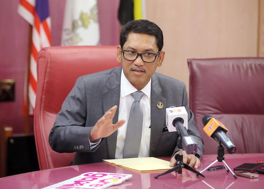 Mentri Besar Datuk Seri Ahmad Faizal Azumu speaks to reporters at his office in the State Secretariat Building, Ipoh February 14, 2019. — Picture by Farhan Najib