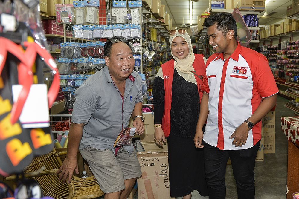 Muhammad Aiman said the Chinese community, representing about 17 per cent of the voters in Semenyih, hoped that he would focus on local issues. ― Picture by Miera Zulyana