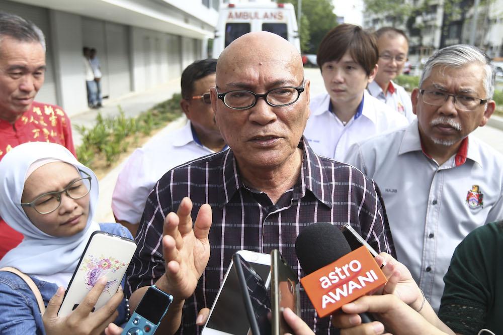 KL Mayor Datuk Nor Hisham Ahmad Dahlan speaks to reporters in Kuala Lumpur February 16, 2019. — Picture by Yusoff Mat Isa